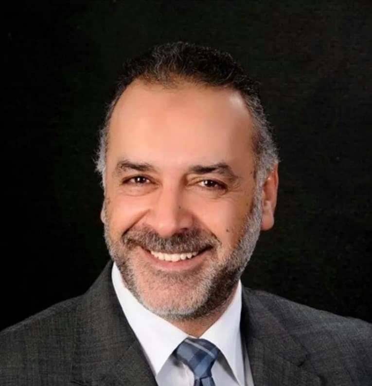 وفاة رجل الأعمال حاتم مؤمن