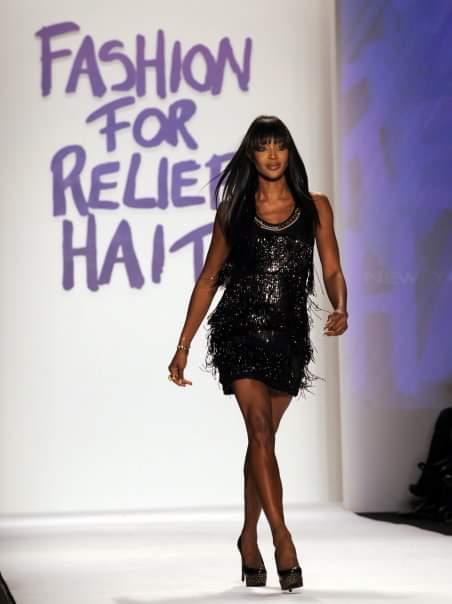 عارضة الأزياء العالمية ناعومي كامبل غاضبة من العنصرية