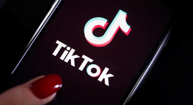 """""""تيك توك"""" تتبرع لصندوق تحيا مصر بـ40 جهاز تنفس صناعي و15 ألف بدلة واقية"""