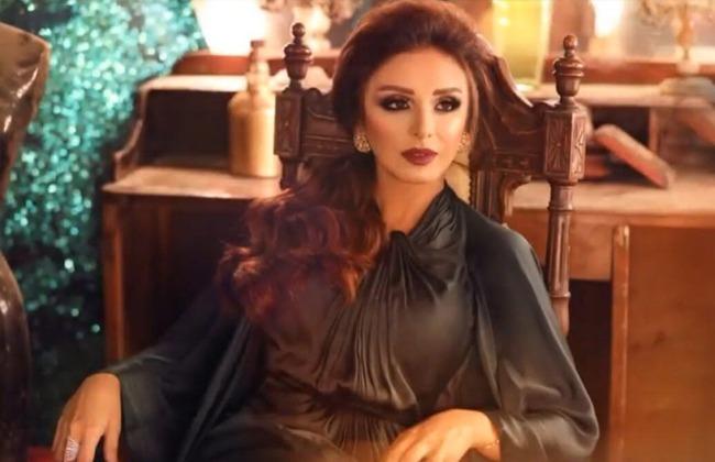 أنغام  تنتهي من ألبومها الجديد باللهجة الخليجية