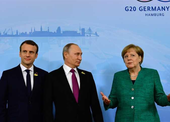هاتفيا...بوتين وميركل يقيَمان الوضع في ليبيا