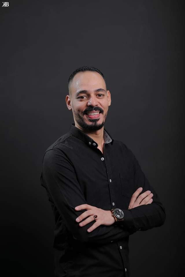 """الكاتب محمد يوسف يعلن مشاركته في مهرجان القاهرة السينمائي بفيلم """"ريحانة"""""""