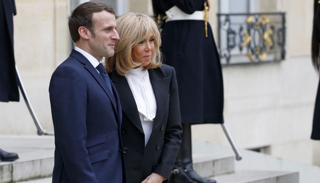 Brigitte et Emmanuel Macron s'éclipsent pour un week-end en amoureux