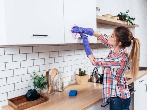 الدليل الشامل لتنظيف كل حاجة في المطبخ أو غير المطبخ نصائح