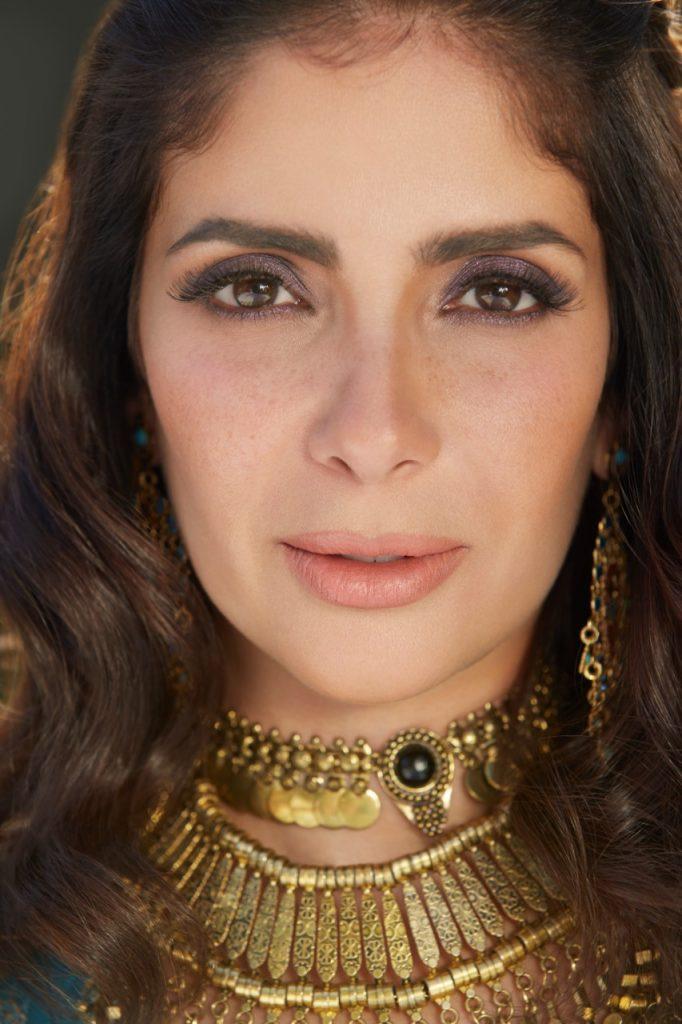 منى زكي: أشعر بالفخر والسعادة والامتنان لتكريمي بجائزة تحمل اسم فاتن حمامة من مهرجان القاهرة العريق