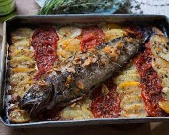 صينية السمك بالبطاطس بالفرن