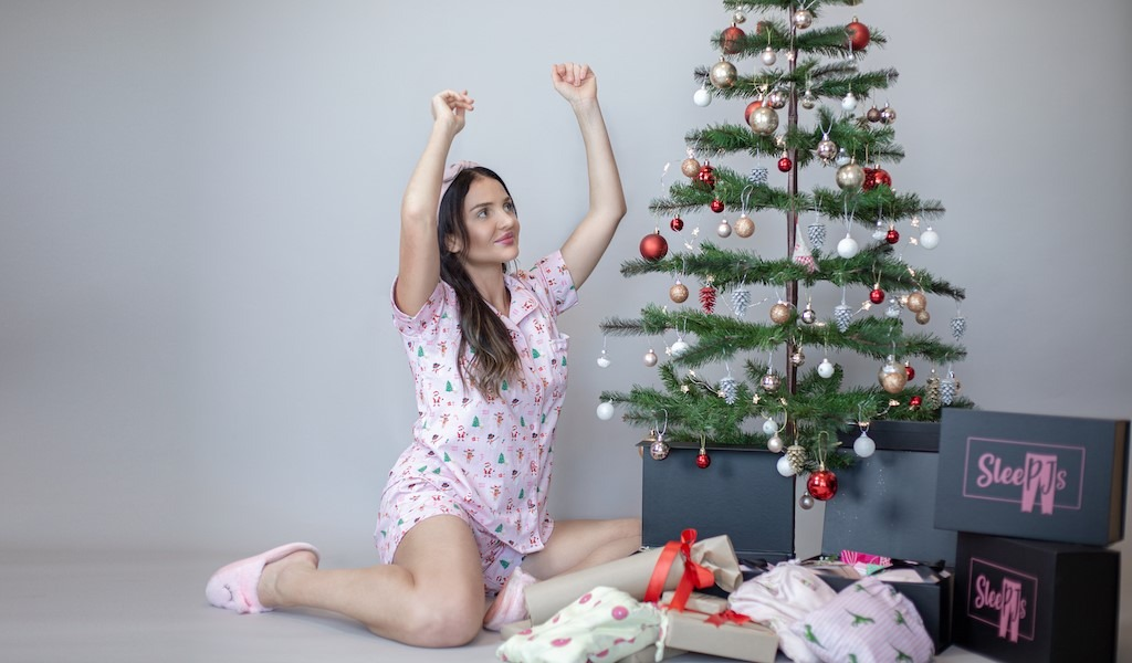 Christmas Classic Shorts Set – AED 180