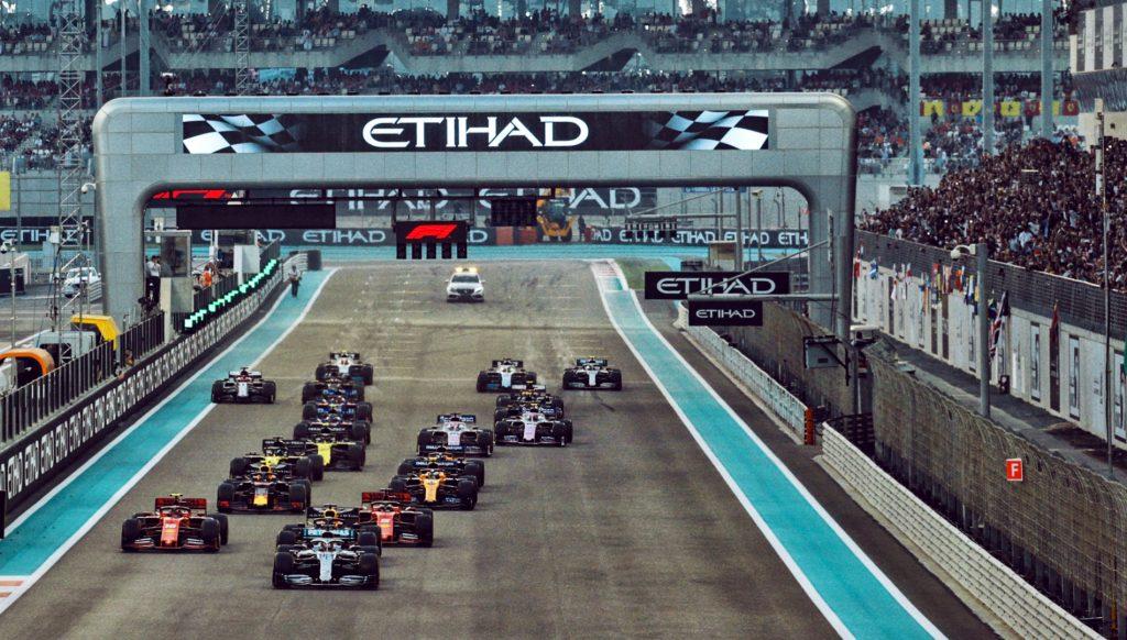 تجربة ترفيهية شاملة في جزيرة ياس لأبطال خط الدفاع الأول خلال عطلة أسبوع سباق جائزة الاتحاد للطيران الكبرى للفورمولا1 في أبوظبي لعام 2020