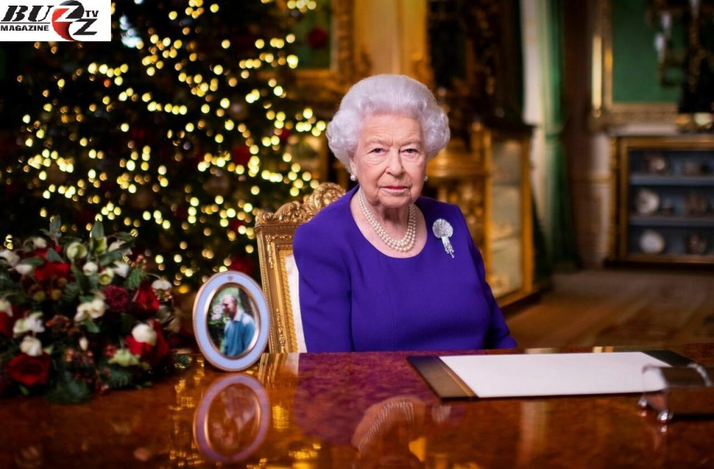 """""""You are not alone"""": Elizabeth II's message of hope to the British"""