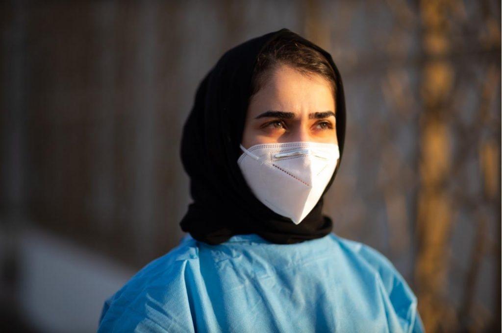 تجربة مُلهمة لطالبة طب في عجمان تطوعت لمواجهة الجائحة
