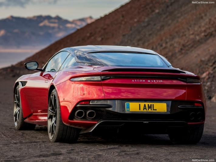 سيظهر شعار Girard-Perregaux على سيارات فريق Aston Martin Cognizant Formula OneTM
