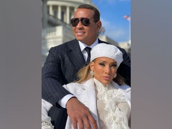 J.Lo Reveals That She and A-Rod Attended Couples Therapy at the Start of the Pandemic
