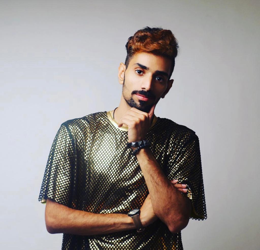 حسين العيد : جذبت جمهوري بدوري المميز وقدرتي التمثيليه بمسرحية بق بقيق