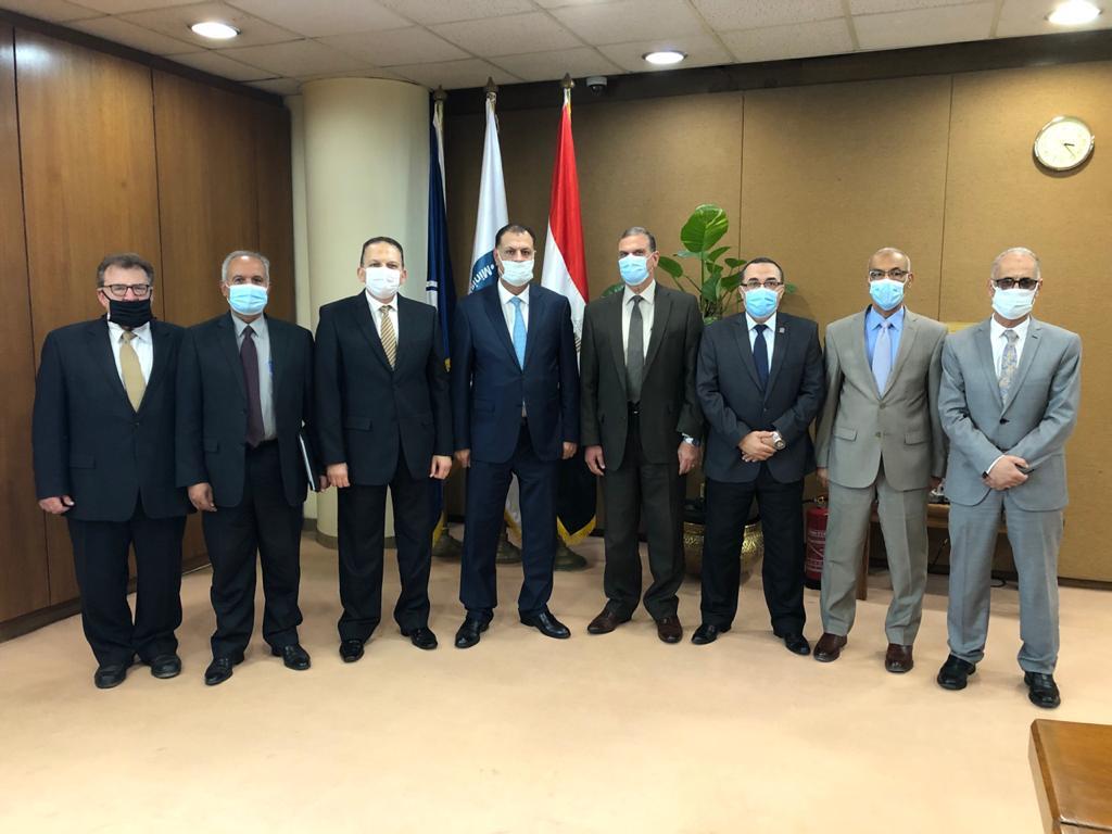 رئيس هيئة البترول المصرية يعتمد الموازنة التخطيطية لشركة الحمرا أويل