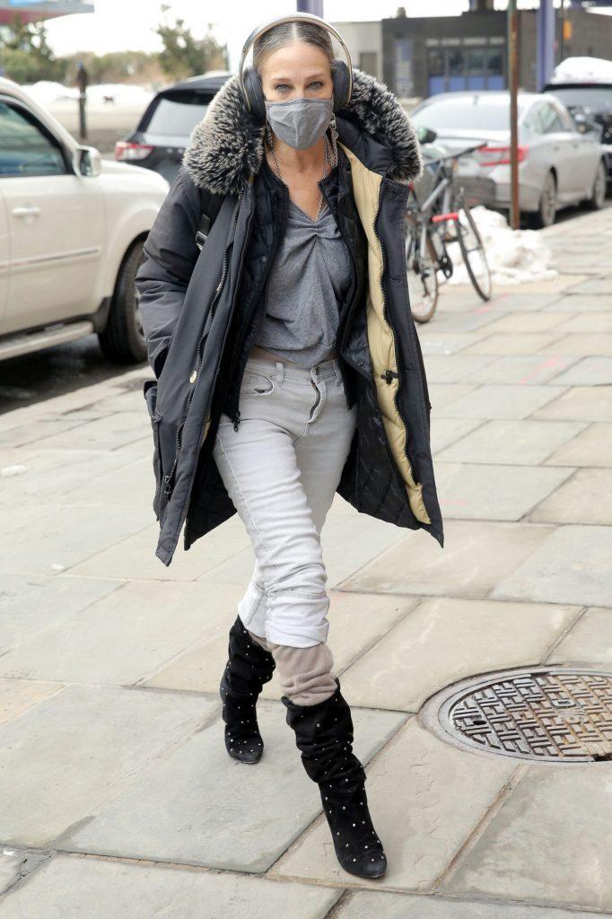 Bella Hadid Bundles Up in N.Y.C., Plus Aaron Paul, Kaia Gerber, Cara Delevingne and More