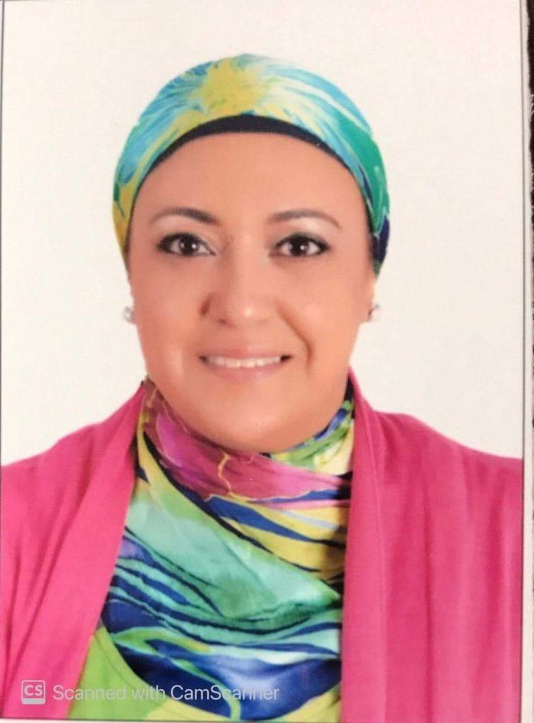 سعت الدكتورة سهير الغنام سعياً محموداً في دعوة كبار الشخصيات في مجالات عدة لتشكل لنا في الإحتفال باقة من زهور المجتمع وكوكبة من نجوم الفن
