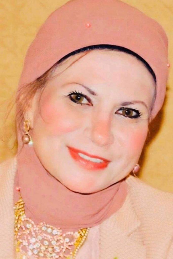 الأم المثالية لعام 2021 تفوز بها  الأديبة الشاعرة دكتورة  سهير الغنام