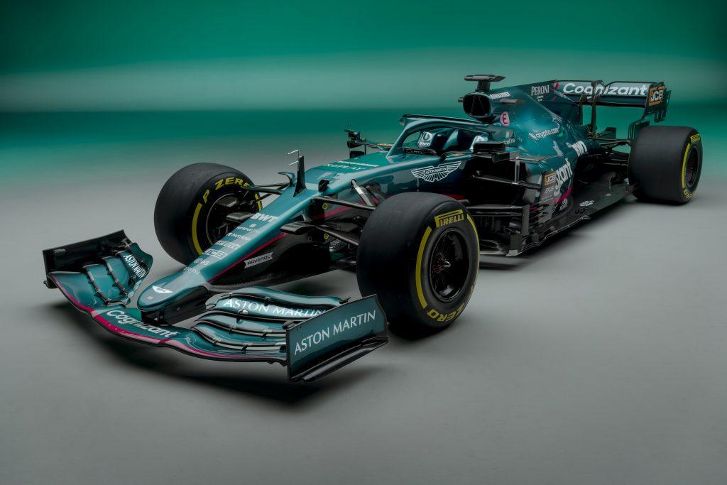 """""""نحن فخورون بفريقنا الذي أشرف على تطوير سيارة فريق كوجنيزانت فورمولا 1 الجديدة"""