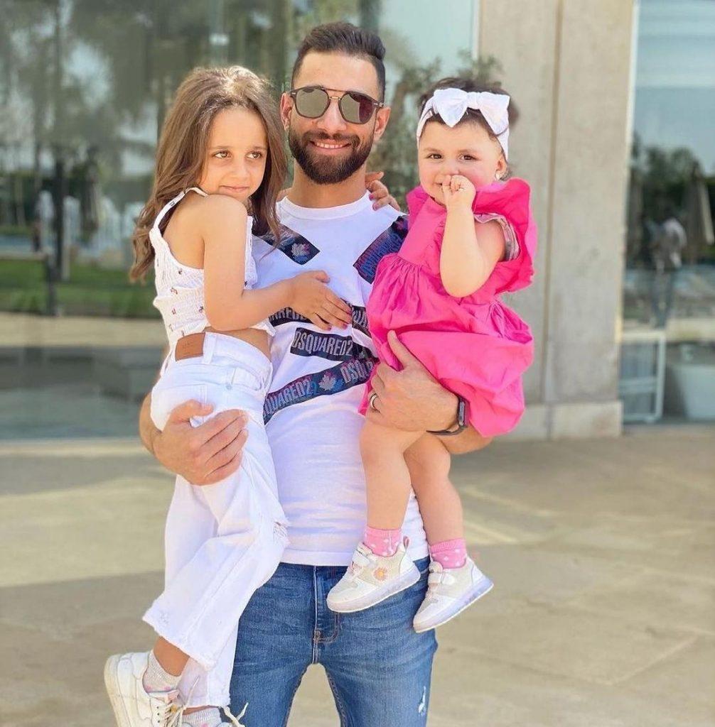 عمرو السولية مع بناته اول ايام العيد الفطر