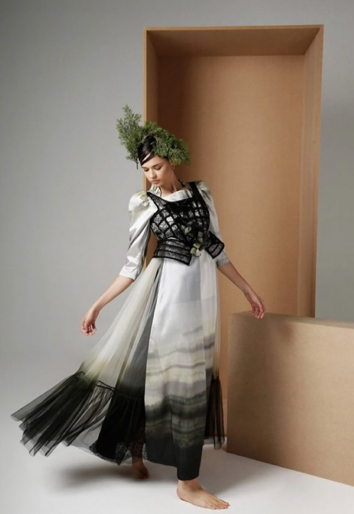 """يمكن لعشاق الموضة الذين يزورون وجهة التسوق عبر الإنترنت ضمن معرض عطايا اكتشاف العلامة السعودية """"Seba Designs"""
