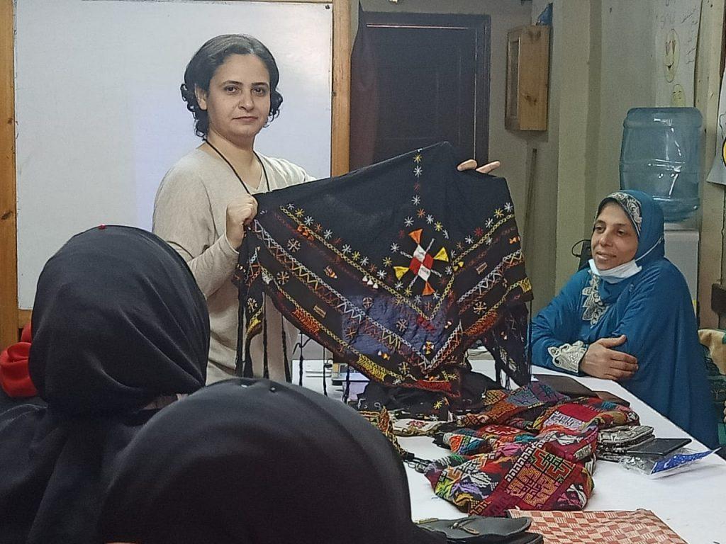 البرنامج التدريبييٌعزز معارف المٌشارِكاتبطبيعة الملابس التراثية المصرية في مناطق جغرافية
