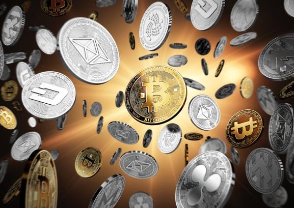 خبراء: ٢.٣ تريليون دولار حجم التداول في العملات الافتراضية وحصة بيتكوين تتراجع ل ٤٦٪ بعد ظهور عملات جديدة