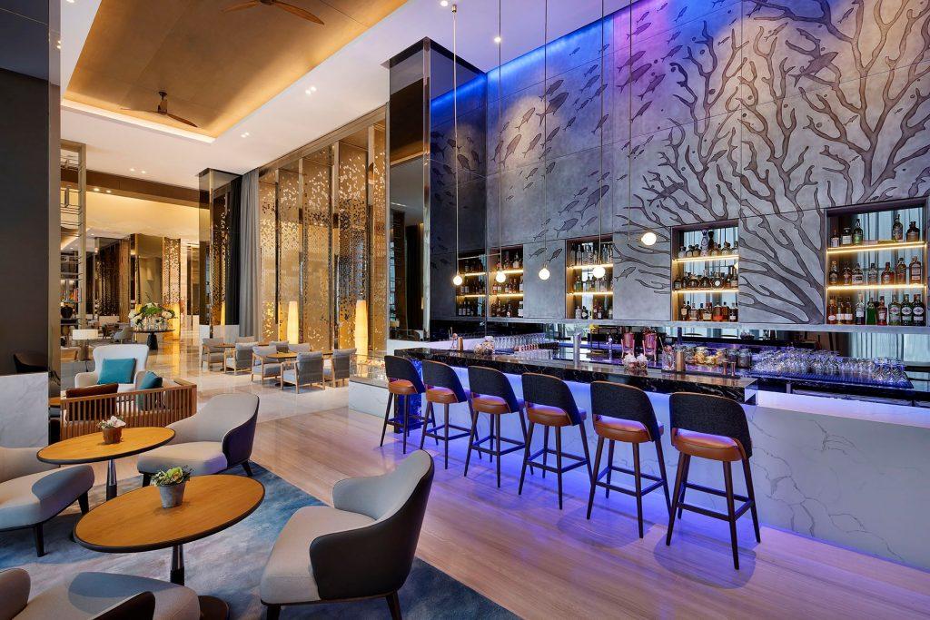 عروض صيفية مذهلة في أزومو لاونج آند بار بفندق هيلتون أبوظبي جزيرة ياس
