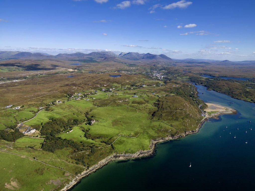 هيئة السياحة الأيرلندية تُعلن عن إعادة فتح باب السفر إلى أيرلندا، و تستعد لمد سجادتها الخضراء ترحيباً بالزوار من جميع أنحاء العالم