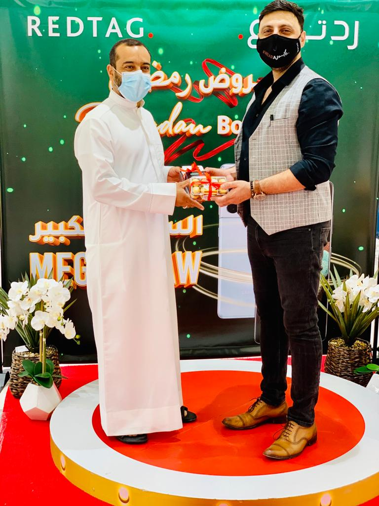 REDTAG announces winners of Ramadan Bonanza raffle, almost 600 lucky shoppers receive top-end Samsung Galaxy S21 Ultra 5G smartphones worth AED 3 million in prize value