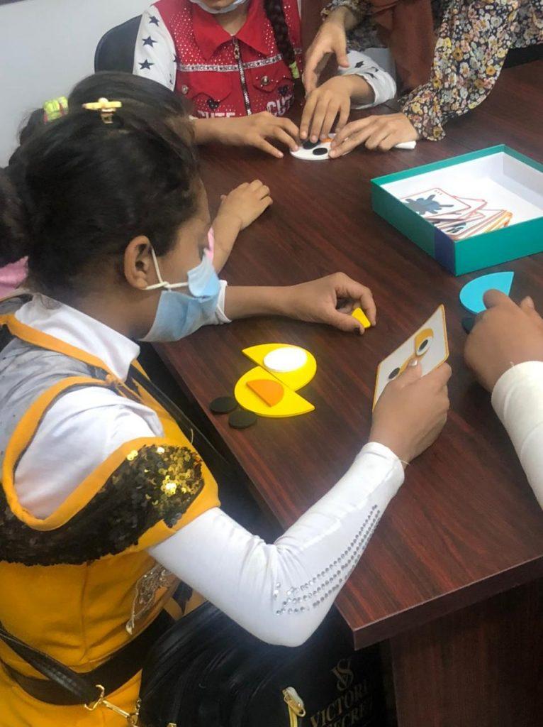 """الصعيد ينتصر لذوى الإعاقة البصرية..  خدمات تعليمية وأنشطة متنوعة للطلاب والطالبات ذوى الإعاقة البصرية بمركز رؤية بقنا بالتعاون بين """"مصر الخير"""" و""""ابن سينا فارما"""""""