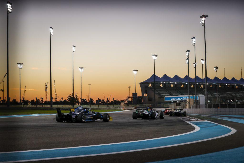 أبوظبي لإدارة رياضة السيارات وميوسكو لايتينج تعلنان تمديد اتفاقية الشراكة التي تجمعهما