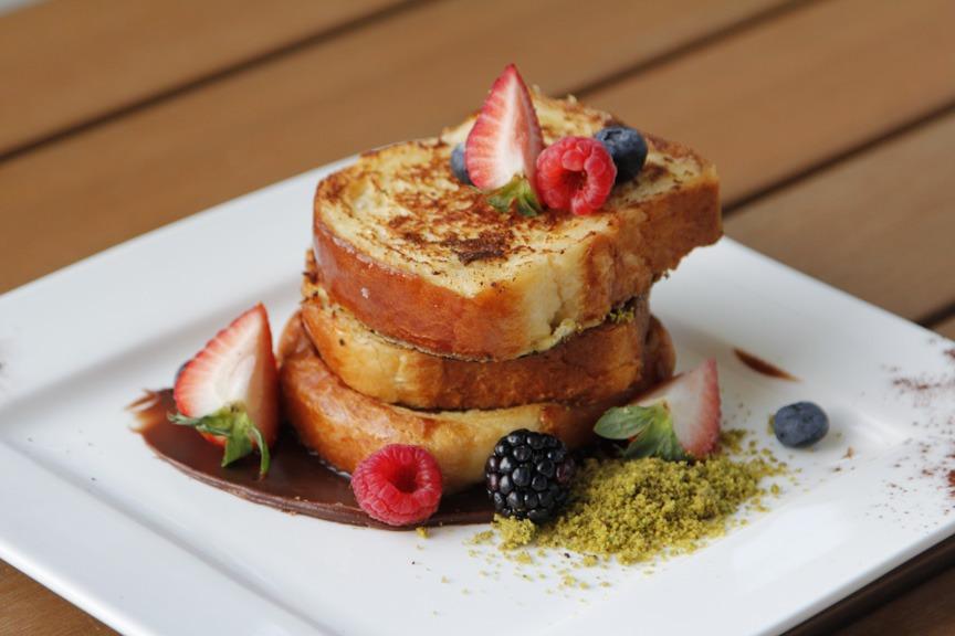 Morning Delights, Café Society