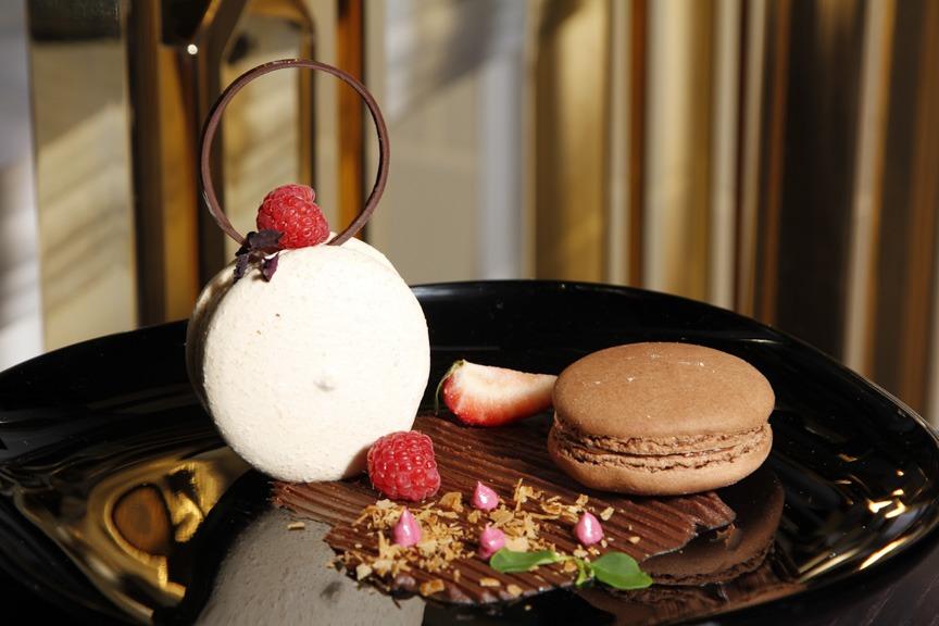 Dark Chocolate Ganache Grand Macaron