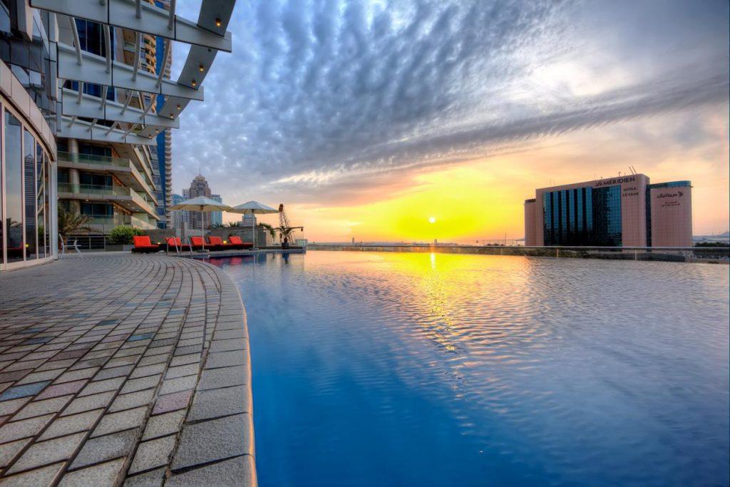 Splash and Dine, TAMANI Marina Hotel