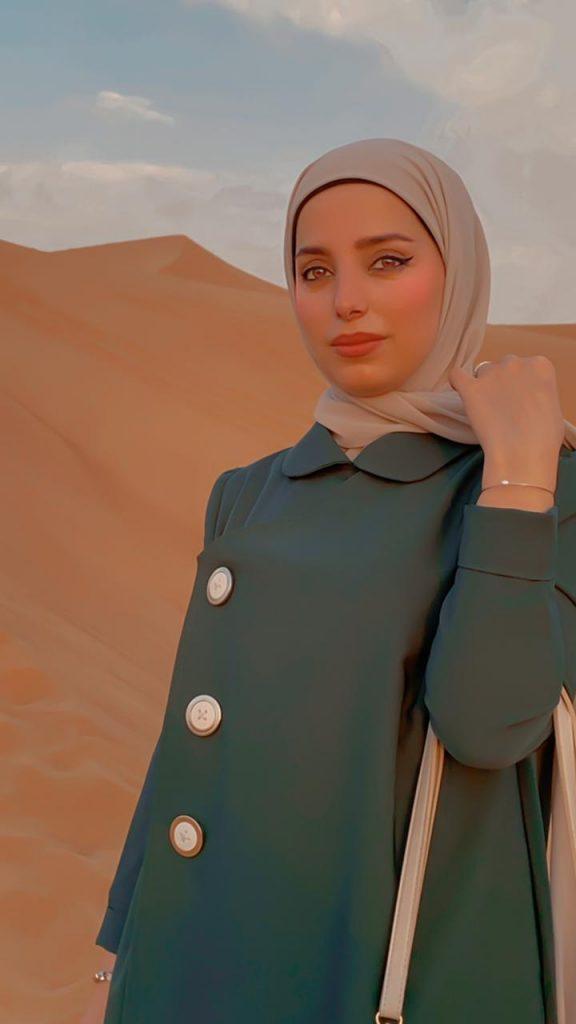 مصممة الأزياء الاء باسم يكشف عن ملابس تناسب البشرة السمراء