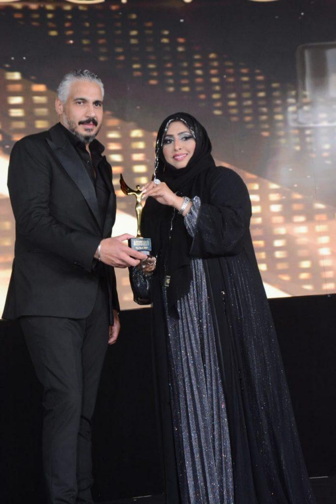 تتسم زينب بالدأب والاجتهاد حيث شاركت في الكثير من الفعاليات والمناسبات داخل سلطنة عمان ودول والخليج