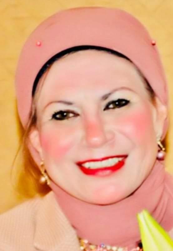 الشريفة الأديبة الشاعرة دكتورة سهير الغنام تفوز بجائزة فخر العرب 2021فط فئة الإعلام المستدام
