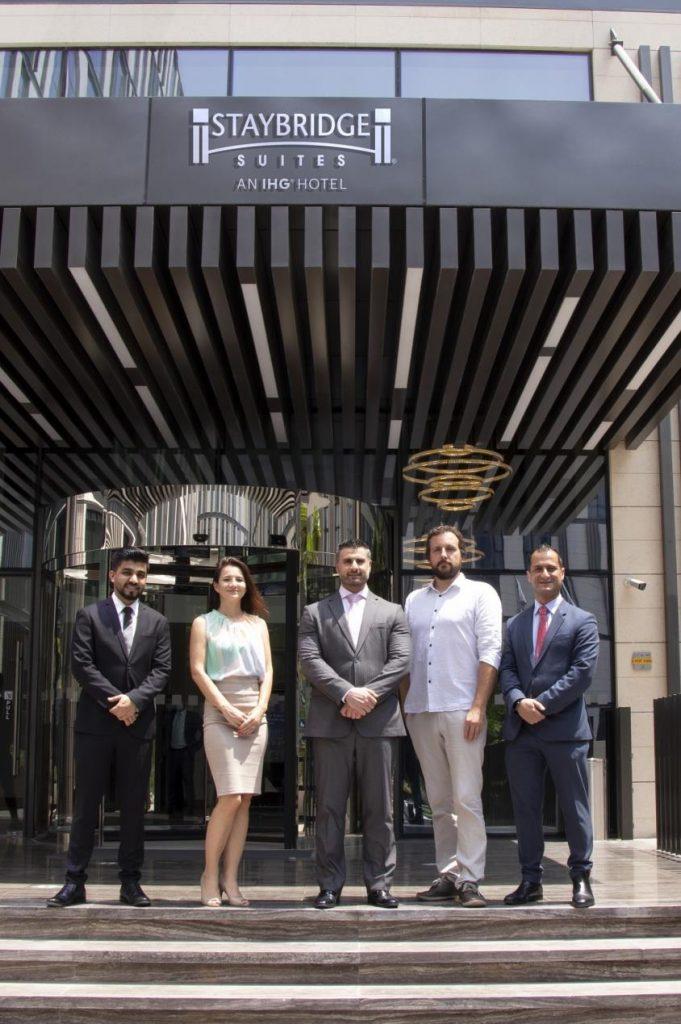 فندق ستايبريدج سويتس يستضيف ثلاثة وفود دولية مشاركة في إكسبو