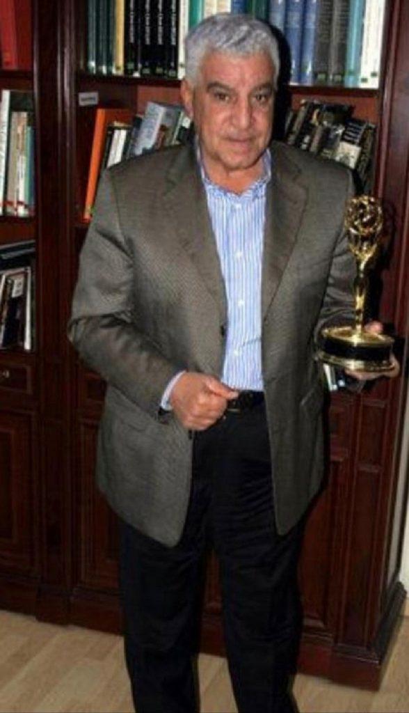زاهي حواس أول مصري يفوز  بجائزة إيمي الأمريكية عام 2006