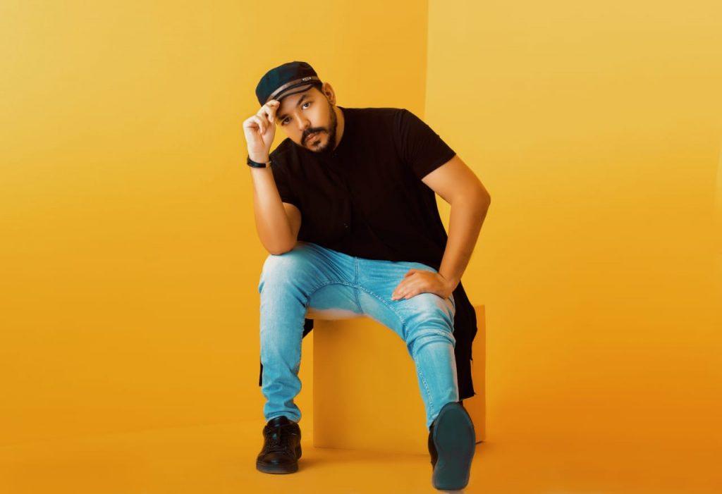 """أحمد عنانى يستعد لطرح أغنية"""" فرفش"""""""