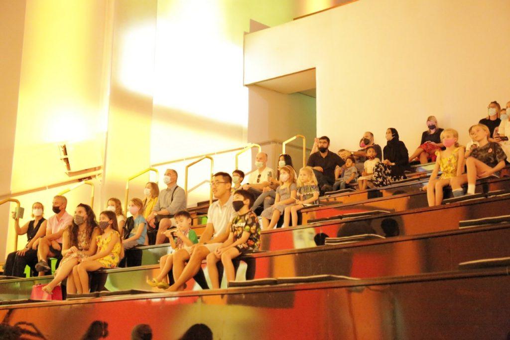عرض مسرح تودا مهارات تلاميذ مدرسة ريبتون فيي الفنون المرئية والموسيقى وفنون الأداء بحضور 300 شخص